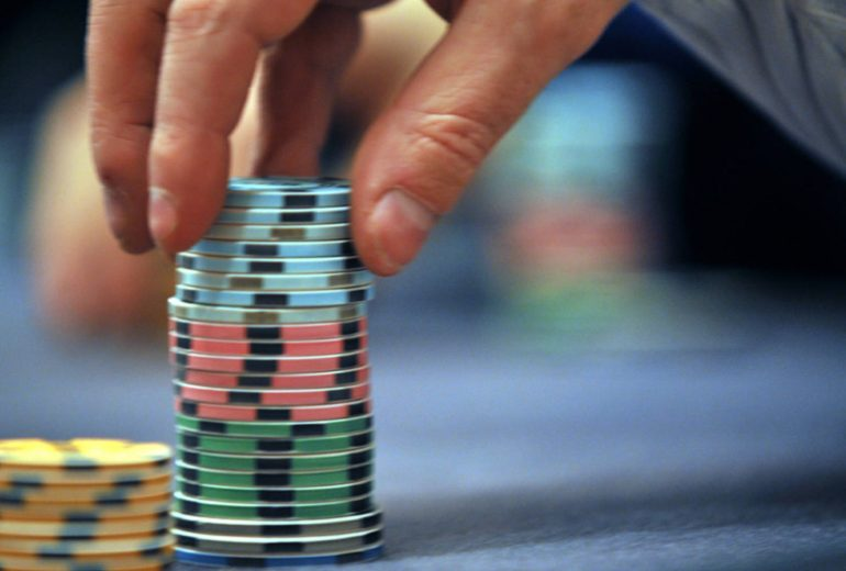 Difference Involving Online Poker Bonuses And Poker Rakeback