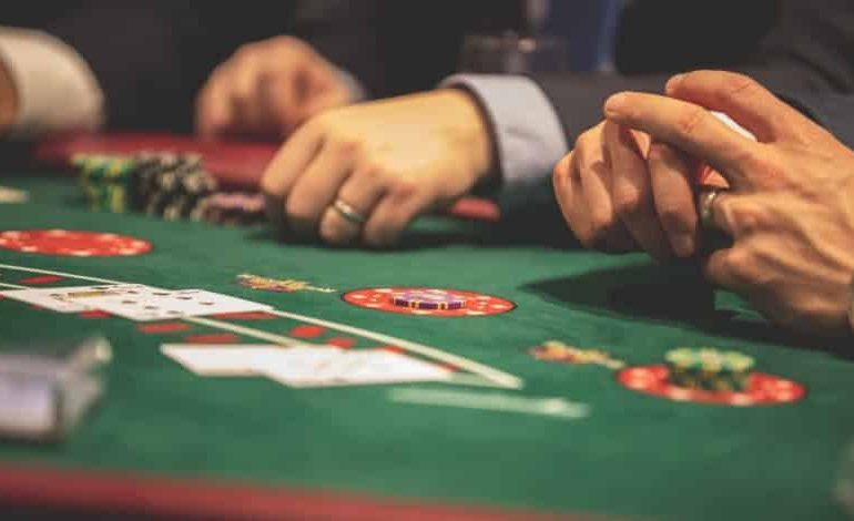There's Huge Cash In Online Betting